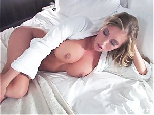 A sizzling hotel room boink session with Samantha Saint