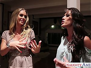 Nicole Aniston and Capri Cavanni go horny slurping twat