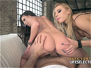 FFM scene with a duo of wild eurobabes