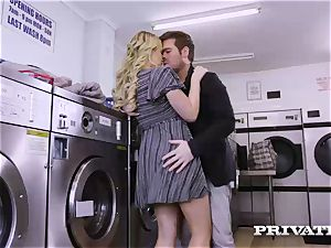 Private.com - Mia Malkova gets torn up in the laundry