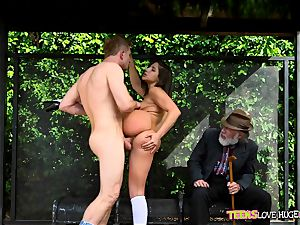 jokey situation of snatch rammed daughter and her grandfather sees at bus stop - Abella Danger and Bill Bailey