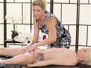 insatiable teen Elsa Jean pawed by steaming mummy educator