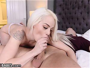Elsa Jean Uses Pretty feet to masturbate His man sausage