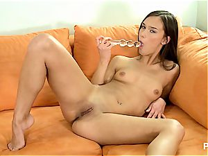 Victoria playing with her tastey cunny