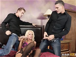 molten wifey Courtney Taylor cheats with a three-way