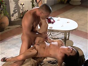 India Summers India Summers is luving the hefty man-meat pleasing her warm puss har