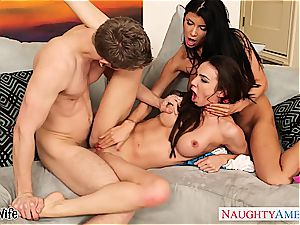 crazy babe Romi Rain share a huge penis with a lesbian