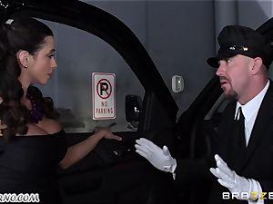 big-titted Ariella Ferrera - Drive on my shaft