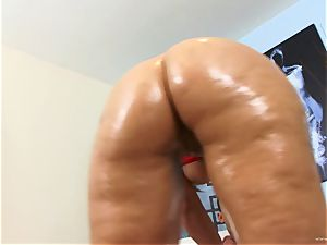 Lexxxi Lockhart likes getting her moist puss wedged