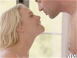 Mia Malkova seducing her molten renter