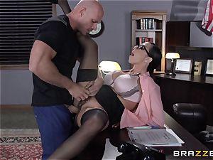 Warden Ariella Ferrera boinks her favourite prisoner