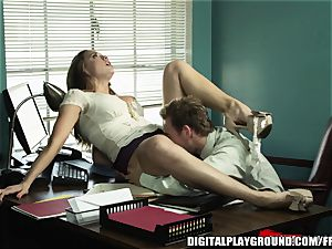 Every manager needs an worker like Chanel Preston